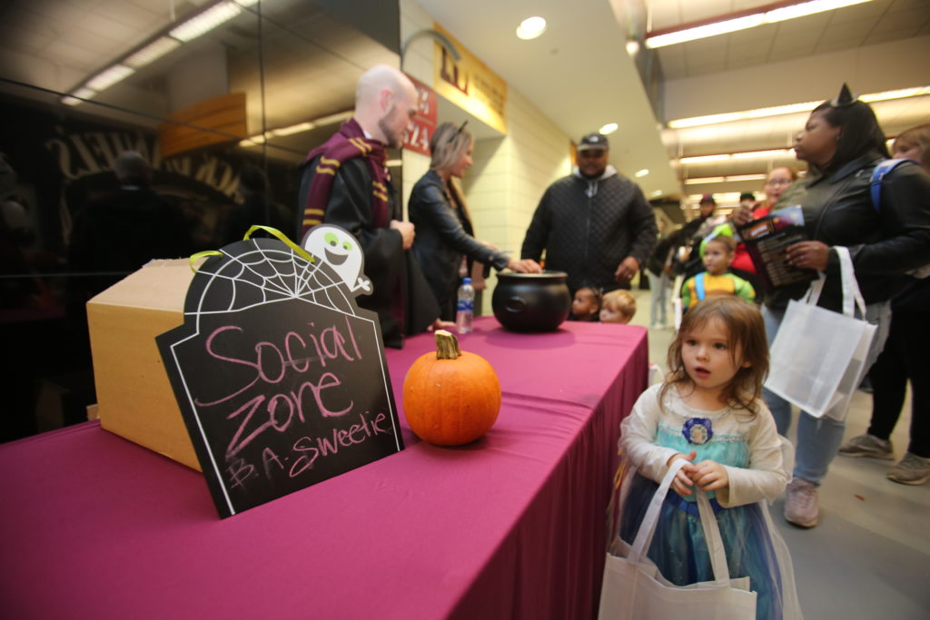 10-29-18 Trick or Treat-176